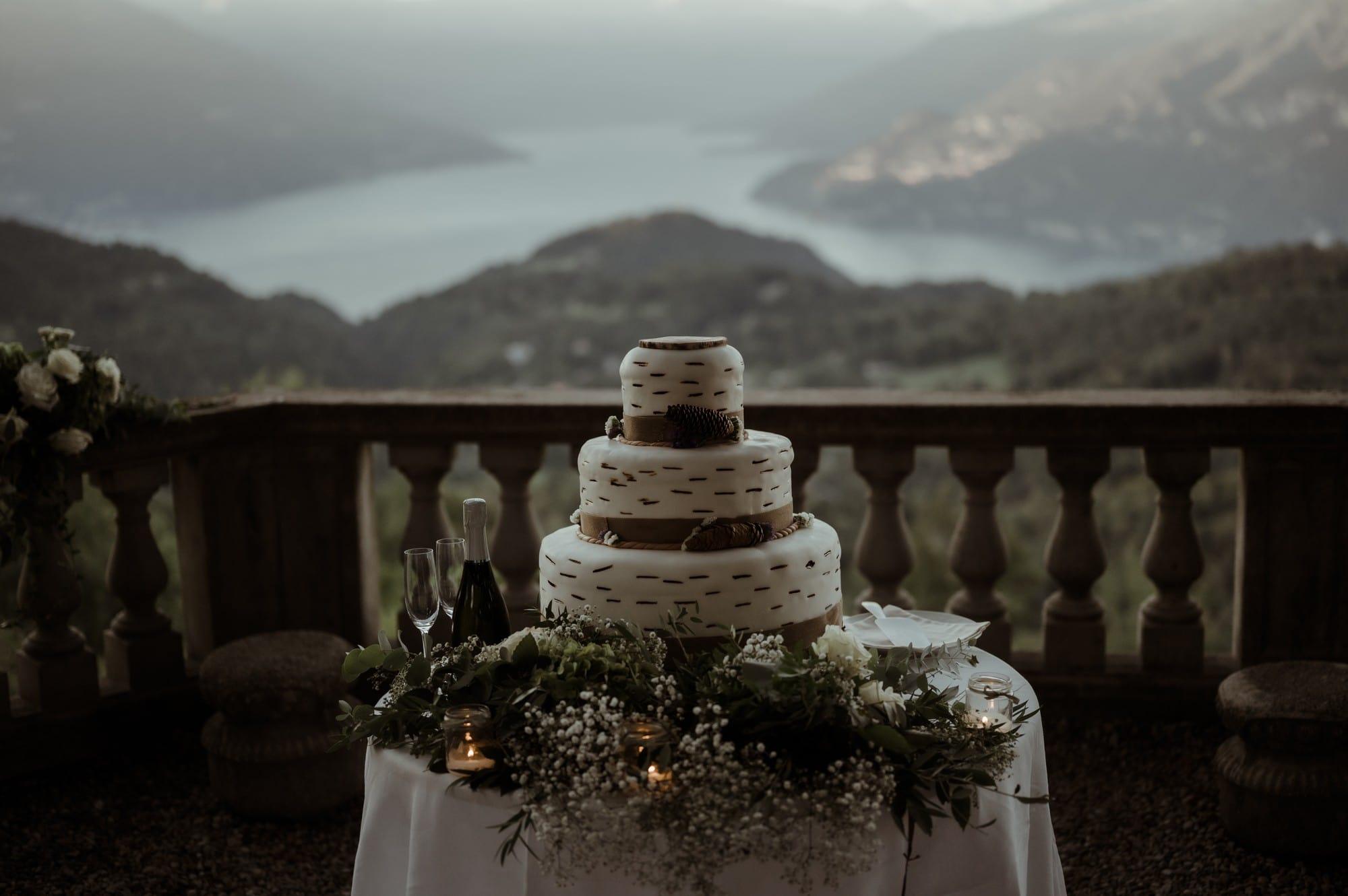 Cutting of the cake in Bellagio with Lake Como view - Lake Como Wedding